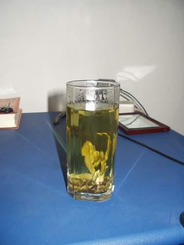 Примерно так выглядит заваренный чай Кудин