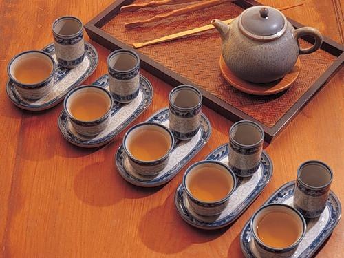 Чайные пары на мини-подносиках