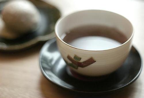 Чем полезно пить чай без сахара?