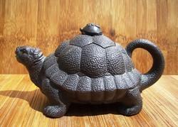 Чайник для воды в виде черепахи