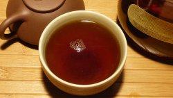 Черный чай может отрицательно влиять на организм человека