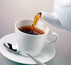Черный чай приносит пользу для организма человека