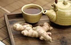 Чашка чая, корень имбиря