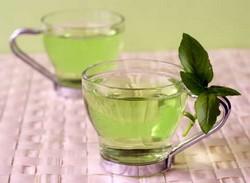 Две чашки зеленого чая