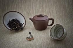 Чайник, чай в пиале