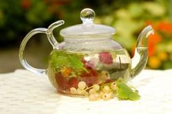Заваренный земляничный чай