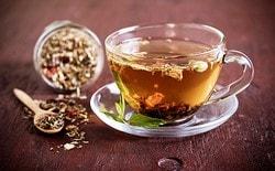 Чай с солодкой: польза, рецепт и противопоказания